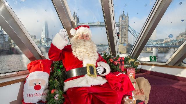 Santa is a Brentford Fan Christmas Apron.Secret Santa Gift