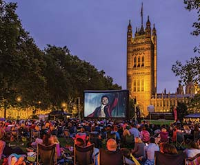 OUTDOOR SCREENING THE GREATEST SHOWMAN