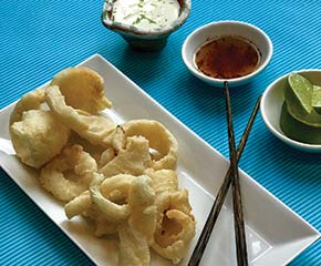 CRISPY SQUID & DIPPING SAUCE